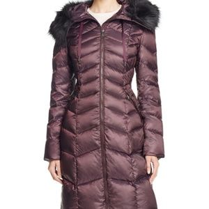 NWT Tahari Emma Chevron Quilted Down/Feather Coat